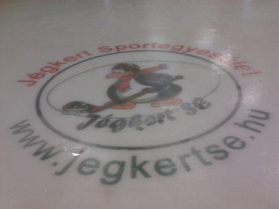 Jégkert SE logo